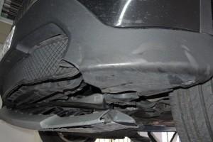 Schaden durch Überfahren von Reifenteil